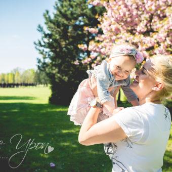 Konkurs z okazji Dnia Matki - wygraj sesję fotograficzną ze swoją pociechą!