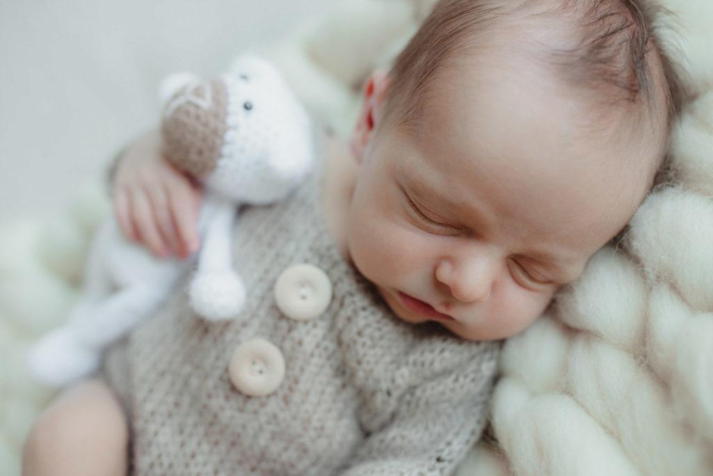Sesja noworodkowa Stasia - Fotografia ciążowa, noworodkowa i rodzinna - OnceUpon.pl