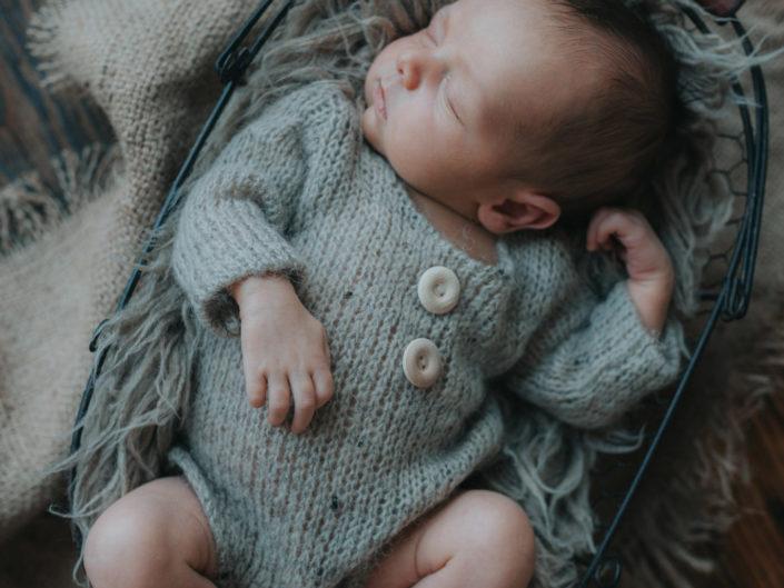 fotografia noworodkowa poznań - klasyczna sesja noworodkowa