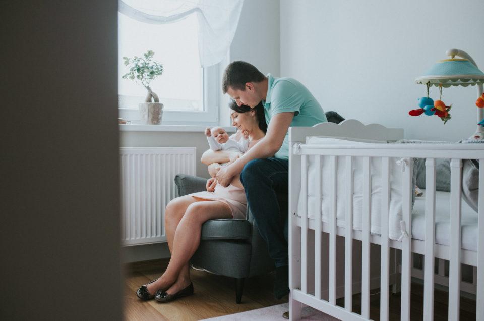 fotografia noworodkowa poznań - witaj w domu - sesja lifestylowa